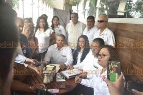 Xalapa, Ver., 22 de octubre de 2019.- Ruth Pérez Vásquez, coordinadora estatal de las Redes Sociales Progresistas, y presidenta electa de la asamblea en el Estado de Veracruz, manifestó que reconocen a Juan Iván Peña como único dirigente nacional.
