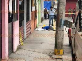Coatepec, Ver., 22 de octubre de 2019.- La tarde de este martes, se reportó una persona muerta a balazos en la calle