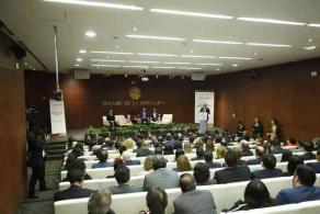 Ciudad de México, 11 de noviembre del 2019.- El senador Ernesto Pérez Astorga, junto con el Director del IMPI, presentó la iniciativa para la nueva Ley de la Propiedad Industrial, con el objetivo de que el país cuente con un ordenamiento legal acorde a la realidad histórica que se vive.