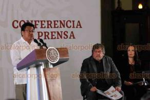 Ciudad de México, 15 de noviembre de 2019.- En la conferencia mañanera, Adelfo Regino Montes, director general del Instituto Nacional de los Pueblos indígenas, informó sobre la consulta en comunidades indígenas por el Tren Maya, con una campaña informativa previa.