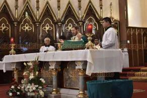 Xalapa, Ver., 17 de noviembre de 2019.- Hipólito Reyes Larios, arzobispo de Xalapa, oficio la misa dominical de esta tarde y señaló que los mandamientos que dicta la Iglesia Católica no se siguen como se debería en la actualidad.