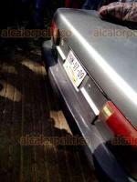 La Perla, Ver., 18 de noviembre de 2019.- La mañana de este lunes, en la zona alta de este municipio, pobladores golpearon y amarraron a 5 sujetos tras el asalto a un panadero. Además, destrozaron el auto en que viajaban.