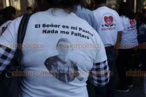 Ciudad de México, 5 de diciembre de 2019.- Afuera de la Fiscalía General de la República, madres y familiares de los desaparecidos gritan: