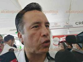 """Veracruz, Ver., 7 de diciembre de 2019.- El gobernador Cuitláhuac García y el vocal ejecutivo del FOVISSSTE, Agustín Rodríguez, encabezaron el inicio de la """"Caravana de la Vivienda""""."""