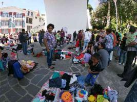 Xalapa, Ver., 8 de diciembre de 2019.- Este fin de semana, en la explanada de Xallitic, se instaló un mercado de trueques, con gran participación ciudadana.