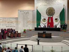 Xalapa, Ver., 10 de diciembre de 2019.- Para cerrar la Glosa del Primer Informe, este martes, el gobernador Cuitláhuac García Jiménez se presentó en el Congreso del Estado para responder cuestionamientos de diputados de todas las bancadas.
