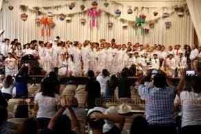"""Veracruz, Ver., 10 de diciembre 2019.- El Departamento de Difusión Cultural de Bachilleratos organizó el """"Concurso Estatal de Ramas"""", cuyo objetivo es mantener vivas las raíces veracruzanas. Participaron jóvenes estudiantes de Poza Rica, Veracruz, Huatusco y Xalapa."""