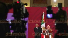 Ciudad de México, 12 de diciembre de 2019.- El presidente Andrés Manuel López Obrador dijo que antes se tenía un aparato burocrático y oneroso que provocó afectaciones y destacó que ahora hay un Gobierno austero y trabajando.