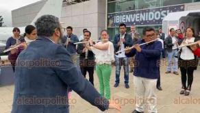 Xalapa, Ver., 12 de diciembre de 2019.- En las instalaciones del ex Museo Interactivo de Xalapa, la Banda Sinfónica del Gobierno del Estado se presentó con un