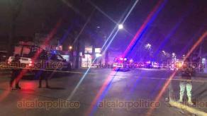 Xalapa, Ver., 12 de diciembre de 2019.-  Tras persecución e intercambio de balazos, policías lograron detener a dos de los presuntos agresores sobre la avenida Lázaro Cárdenas, a la altura de la tienda Elektra.