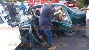 Papantla, Ver., 13 de diciembre de 2019.- El aparente estado de ebriedad en el que conducía un sujeto, provocó un fuerte accidente sobre la carretera Papantla-Poza Rica, en el tramo de la localidad Reforma Escolín.