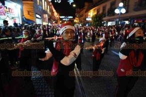 Xalapa, Ver., 14 de diciembre de 2019.- La tarde de este sábado un colorido Desfile Navideño recorrió las principales calles del Centro, el evento fue organizado por la Junta de Mejoras de Xalapa.