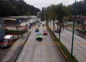 """Xalapa, Ver., 16 de enero de 2020.- Con la finalidad de reducir el número de accidentes registrados sobre la carretera Xalapa-Coatepec, elementos de Tránsito del Estado implementan operativo """"Carrusel"""", en el que participan tres unidades de la dependencia estatal."""