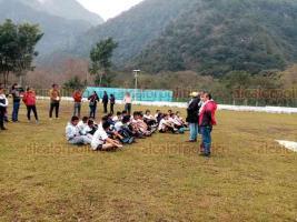 Tlilapan, Ver., 18 de enero de 2020.- Visores del Club América observaron la técnica, el control de pelota, conducción, velocidad y disposición, de los jóvenes jugadores.