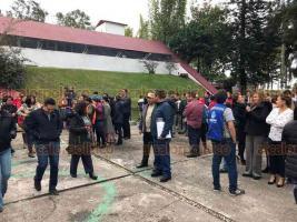 Xalapa, Ver., 20 de enero de 2020.- Este lunes, también se hizo el simulacro de evacuación por sismo en el que participó personal de la Secretaría de Educación de Veracruz, como se hizo en otras partes de la capital y a nivel nacional.