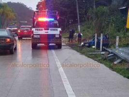 Xalapa, Ver., 20 de enero de 2020.- Conductor de un vehículo particular perdió el control y terminó volcado cuando circulaba sobre la carretera Xalapa-Coatepec, a la altura de Los Arenales; peritos de Tránsito tomaron conocimiento del accidente del que no hubo lesionados.
