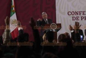 Ciudad de México, 21 de enero de 2020.- El presidente, Andrés Manuel López Obrador, destacó que es importante acreditar los servicios de salud del INSABI para que la gente los defienda. Gobiernos anteriores buscaban privatizarlos, señaló.
