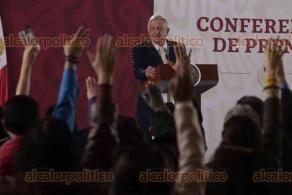 Ciudad de México, 22 de enero de 2020.- El presidente Andrés Manuel López Obrador mostró, en una gráfica, el total de equipamiento médico, de emergencias y especialidades que adquiriría con el valor (venta) del avión presidencial.