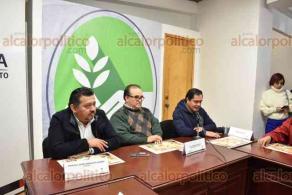 Xalapa, Ver., 22 de enero de 2020.- El director de Desarrollo Económico, Gerardo Martínez Ríos, presentó la Expoventa Candelaria 2020, que será del 31 de enero al 2 de febrero en el parque Benito Juárez. Se ofrecerán unos 40 tipos de tamales veracruzanos.