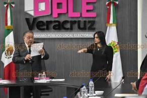 Xalapa, Ver., 23 de enero de 2020.- Este jueves, durante la sesión solemne del Consejo General del OPLE Veracruz, se tomó protesta a la Consejera Electoral designada por el Instituto Nacional Electoral (INE), María Lourdes Fernández Martínez.