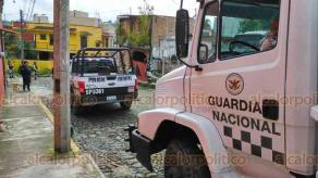 Coatepec, Ver., 24 de enero de 2020.- La Guardia Nacional implementan operativo de rescate luego de que un hombre fuera privado de su libertad en la calle Juan Lomán.