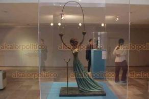 """Xalapa, Ver., 26 de enero de 2020.- En la pinacoteca Diego Rivera se exhibe con gran éxito la muestra """"Dalí. Sueños"""", exposición escultórica del artista español y destacado miembro del movimiento surrealista."""