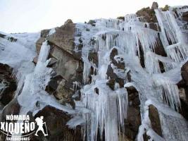 """Al menos 40 cascadas hay en la región de Xico, afirma el senderista Gustavo Suárez. Una de ellas es """"La hielera"""" o la """"Cascada de hielo"""", fenómeno que pudo observarse en diciembre pasado."""