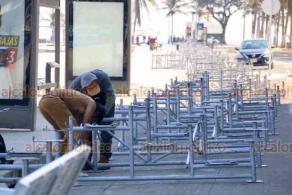 Veracruz, Ver., 27 de enero de 2020.- Sobre el bulevar Ávila Camacho, empezaron a colocar las gradas para los desfiles del Carnaval. Serán aproximadamente 4 kilómetros de gradas que llegarán hasta Boca del Río.