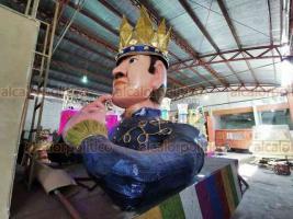 Veracruz, Ver., 17 de febrero de 2020.- Artesanos dan los últimos detalles a los 35 carros alegóricos monumentales que desfilarán en los paseos del Carnaval Veracruz 2020. Algunas figuras presentan atraso en su elaboración.