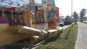 """Boca del Río, Ver, 21 de febrero de 2020.- Las fuertes rachas del """"norte"""" que se presentaron en las primeras horas de este viernes, por la entrada del frente frío 40, dañaron algunos carros alegóricos del Carnaval."""