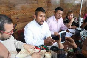 Xalapa, Ver., 21 de febrero de 2020.- El gobernador indígena de Veracruz, Ignacio Romero López, se deslindó del fraude que presuntamente está haciendo Juan Ronzón Hernández con programas de vivienda inexistentes.