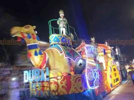 Veracruz, Ver., 22 de febrero de 2020.- Pese a contratiempos lució el primer gran desfile del Carnaval 2020, al que llaman el más alegre del mundo; participaron 35 carros alegóricos con temáticas relacionadas con diferentes culturas como la romana y egipcia.