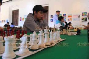 Xalapa, Ver., 23 de febrero de 2020.- En el Centro Recreativo, la escuela Chikahuak realizó el primer torneo de ajedrez con la participación de niños y adultos.