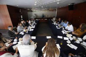 """Ciudad de México, 26 de febrero de 2020.- El senador Ernesto Pérez Astorga convocó a una reunión con legisladores veracruzanos, en la que se analizaron algunos problemas del Estado y se plantearon soluciones, """"el objetivo es trabajar para que le vaya bien a México y a Veracruz"""", dijo."""