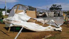"""Coatepec, Ver., 26 de febrero de 2020.- La Telesecundaria """"María Enriqueta Camarillo"""" también quedó destrozada debido a los fuertes vientos de este día."""