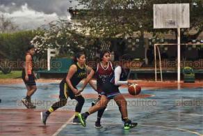 Acayucan, Ver., 28 de febrero de 2020.- A fin de fortalecer el desarrollo físico y mental de los estudiantes, mediante la práctica del deporte, este día se inauguró el V Encuentro Deportivo Estudiantil ITSA- Armadillos 2020, dentro del marco de la Jornada Veracruzana SEMYS.
