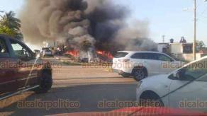 Coatzacoalcos, Ver., 28 de marzo de 2020.- El incendio habría sido provocado por las altas temperaturas, sin embargo, serán las autoridades quienes investiguen más detalles de este siniestro.