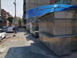 Ciudad de México, 30 de marzo de 2020.- Ante la contingencia por COVID-19, comerciantes semifijos de comida de alrededores del Senado de la República tiene pocos clientes ante el cierre de recinto legislativo, mientras otros no abrieron.