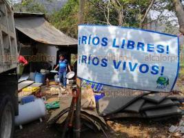 Jalcomulco, Ver., 2 de abril de 2020.- El campamento permanente contra hidroeléctricas en la cuenca del río Los Pescados fue desmantelado temporalmente por la pandemia de coronavirus.