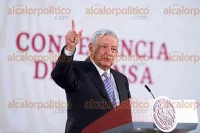 Ciudad de México, 4 de abril de 2020.- El presidente Andrés Manuel López Obrador anunció un plan emergente para la atención de enfermos graves de COVID-19; se contratarán 10 mil médicos y personal de enfermería especializados.