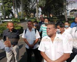 Xalapa, Ver., 6 de abril de 2020.- Cerca de 10 mil meseros piden apoyo del Gobierno para subsistir, pues por la emergencia por coronavirus se quedaron sin trabajo.