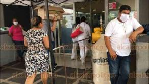 Boca del Río, Ver., 9 de abril de 2020.- El Ayuntamiento retiró sus módulos de sanitización que había instalado en varios puntos de la ciudad, luego de que este miércoles la Secretaría de Salud federal diera a conocer que no había pruebas de su eficiencia contra el COVID-19. También se quitó el de la entrada al Hospital General.