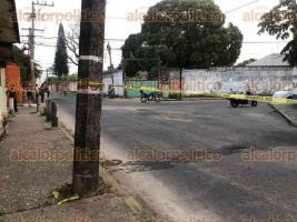 Minatitlán, Ver., 9 de abril de 2020.- Dos presuntos delincuentes resultaron lesionados luego de una balacera y persecución que ocurrió en las calles Managua y Lisboa Sur, de la colonia Nueva Mina.