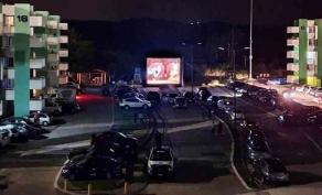 """Xalapa, Ver., 24 de mayo de 2020.- Luego de exhibir filmes en la zona Centro, Villas Arco Sur y Rubén Pabello Acosta, la SEGOB mantendrá la iniciativa """"CINEstrés"""" en la capital  del Estado este fin de semana."""