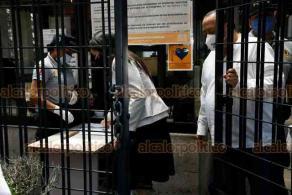 Xalapa, Ver., 28 de mayo de 2020.- La encargada de despacho de la Fiscalía General del Estado, Verónica Hernández Giadáns, a su llegada al Congreso del Estado, donde este jueves se elegirá al Titular del organismo autónomo.