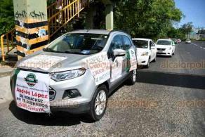 Xalapa, Ver., 30 de mayo de 2020.- En la capital, la mañana de este sábado, ciudadanos a bordo de decenas de vehículos demandaron la renuncia al presidente  Andrés Manuel López Obrador.
