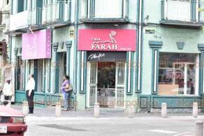 Xalapa, Ver., 1° de junio de 2020. En el centro de la Capital, algunas tiendas reabrieron sus puertas. No obstante, algunos comercios están entre los catalogados como no esenciales.