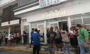Veracruz, Ver., 2 de junio de 2020.- Como otras sucursales bancarias, el