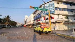 Veracruz, Ver., 5 de junio de 2020.- Retoman cierre vial en el Centro Histórico y en el bulevar Manuel Ávila Camacho para restringir movilidad de personas y evitar posibles contagios de COVID-19. Esta medida se levantará el lunes 8 de junio.