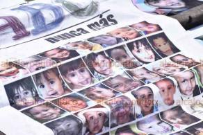 Xalapa, Ver., 5 de junio de 2020.- En la Plaza Lerdo, ciudadanos colocaron carteles impresos en conmemoración por los 49 niños fallecidos en el incendio de la Guardería